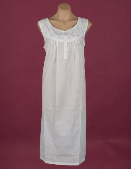 Star Dreamer **The Blue Star** White cotton nightdress, embroidery on bodice Small buttons ¾ length
